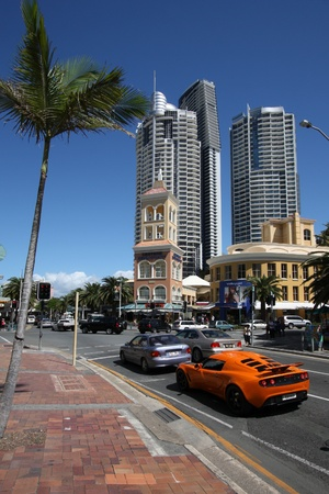 population growth: GOLD COAST, AUSTRALIA - MARCH 25: City life in Gold Coast on March 25, 2008 in Gold Coast, Australia. GC now Australias fastest growing large city, with annual population growth rate of 3.4% (1.2% for Australia).