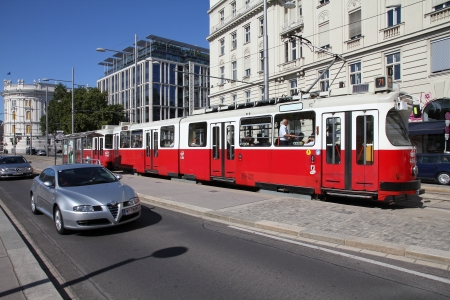 VIENNA - SEPTEMBER 6: Tramway on September 6, 2011 in Vienna. With 172km total length, Vienna Tram network is among largest in the world. In 2009 186.9m passengers used Vienna trams. Banco de Imagens - 13824315