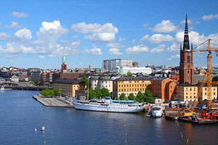 Stockholm, Su�de. Vue du c�l�bre Gamla Stan (la vieille ville), �le de Riddarholmen. Banque d'images - 13939715