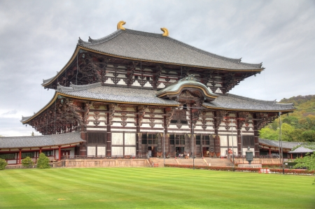 todaiji: Nara, Japan (Kansai region) - old city. Todai-ji temple, the largest wooden building in the world.