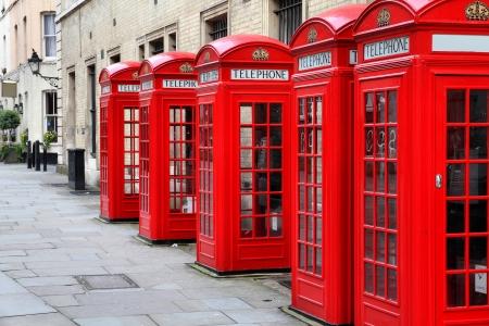 cabina telefono: Londres, Reino Unido - cajas rojas de tel�fono de Broad Court, Covent Garden.