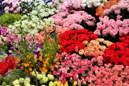 flower shop: Roses and other colorful flowers at a florist shop in Osaka, Japan Stock Photo
