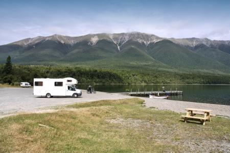 Wohnmobil in Nelson Lakes National Park, New Zealand. Wohnmobil. Lizenzfreie Bilder