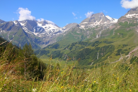 hohe tauern: Mountains in Austria. Hohe Tauern National Park, Glocknergruppe range of mountains.