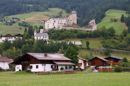 osttirol: Tyrol, Austria. Heinfels castle in Pustertal valley. Stock Photo