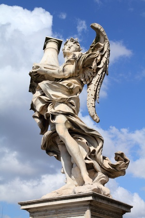 sudarium: Rome, Italy. One of the angels at famous Ponte Sant Angelo bridge. Angel with the Column statue by Antonio Raggi. Stock Photo