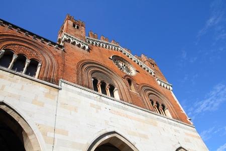 gotico: Piacenza, Italia - Emilia-Romagna. Palazzo Comunale, también conocido como Il Gotico.