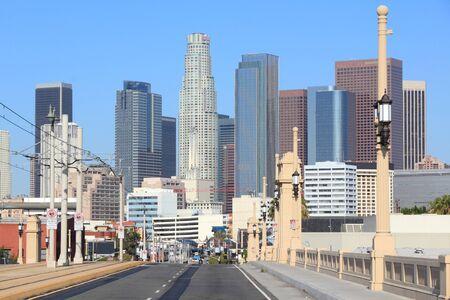 ロサンゼルス、カリフォルニア、アメリカ合衆国。都市のスカイラインの眺め。