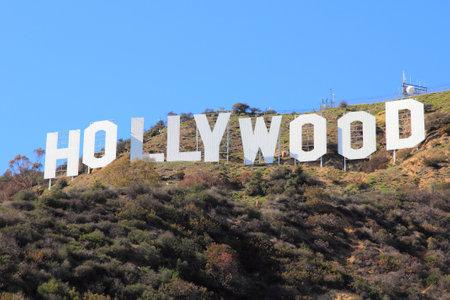 LOS ÁNGELES, EE.UU. - 5 de abril 2014: Muestra de Hollywood en Los Angeles. El signo fue creado originalmente en 1923 y es Monumento Histórico-Cultural de Los Angeles. Foto de archivo - 28723847