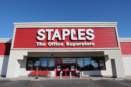 superstore: RIDGECREST, UNITED STATES - APRIL 13, 2014: Staples Office Superstore in Ridgecrest, California. The office supply store chain has more than 2,200 stores worldwide in 26 countries. Editorial