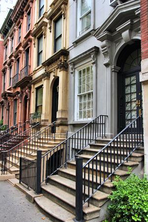 뉴욕시, 미국 - 미드 타운 맨해튼의 터틀 베이 인근에 오래된 타운 하우스. 스톡 콘텐츠