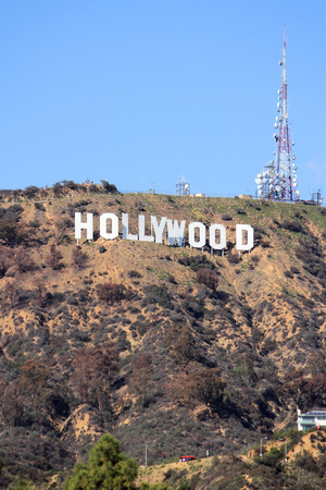 로스 앤젤레스, 미국 - 4 월 (5) : 2014 년 로스 앤젤레스에서 할리우드 로그인. 부호는 원래 1923 년에 만들어진 및 로스 앤젤레스 역사 문화 기념물입니다.