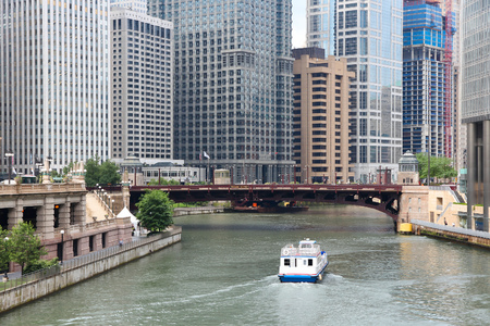 illinois river: Chicago in Illinois, United States. City view with river.