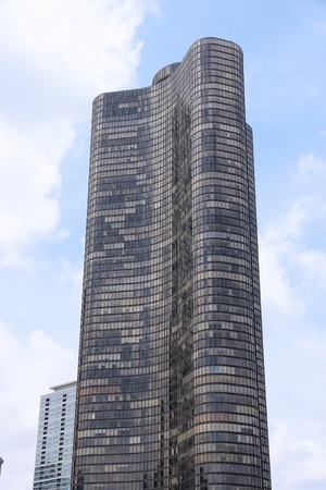 shortest: CHICAGO, USA - JUNE 26, 2013: Lake Point Tower in Chicago. It is 197m tall (645 ft) and is the shortest building in the world to contain 70 floors.