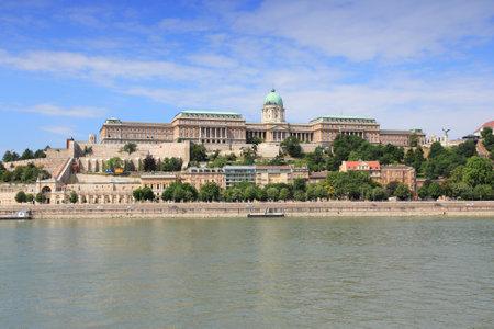 buda: Budapest, Hongrie - ch�teau de Buda et Danube.