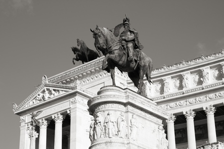 vittorio emanuele: Rome, Italy. Famous Vittoriano with gigantic equestrian statue of King Vittorio Emanuele II. Black and white retro style - monochrome color tone.