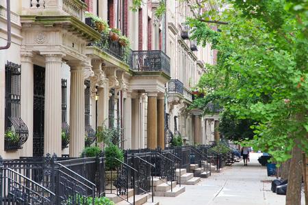 New York City, USA - viele alte Stadthäuser in Upper West Side in Manhattan. Lizenzfreie Bilder
