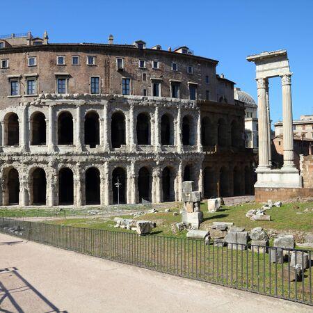 teatro antiguo: Roma, Italia - Teatro Marcello, antiguo teatro romano.