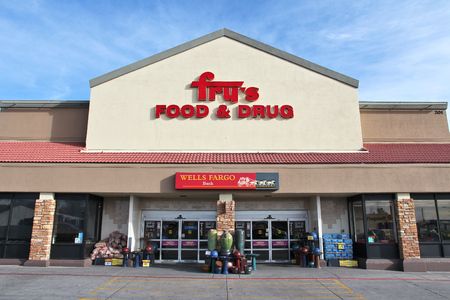 flagstaff: FLAGSTAFF, UNITED STATES - APRIL 4, 2014: Frys Food and Drug store in Flagstaff. The supermarket chain operates in 119 locations and is part of Kroger company. Editorial
