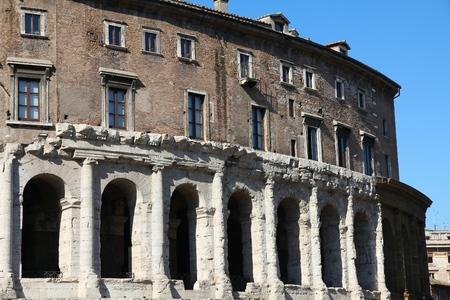 teatro antiguo: Rome, Italy - Teatro Marcello, ancient Roman theatre.