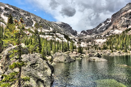 rocky mountain national park: Lake Haiyaha in Rocky Mountain National Park, USA. HDR photo.
