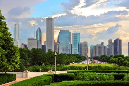 city park skyline: Chicago skyline seen from Grant Park. Sunset city view. Stock Photo
