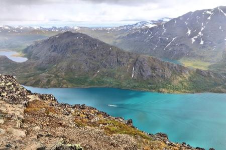 besseggen: Norway nature - Jotunheimen National Park. Besseggen ridge trail between two lakes (Gjende and Bessvatnet). Oppland county landscape. Stock Photo