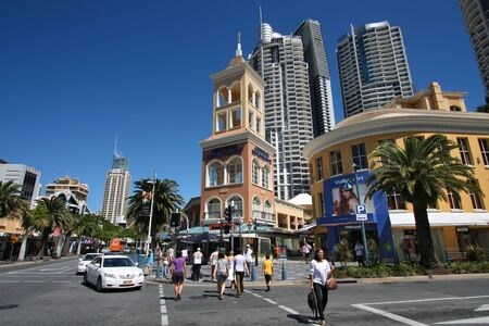 gold coast australia: GOLD COAST, AUSTRALIA - MARCH 25, 2008: People walk in Surfers Paradise, Gold Coast, Australia. With more than 500,000 people, it is the 6th most populous area in Australia. Editorial