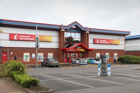 sheffield: SHEFFIELD, UK - JULY 10, 2016: Pound Stretcher Supermarket in Sheffield, Yorkshire, UK. Retail sales generate 5 percent of UK GDP, amounting to 339 billion GBP annually.