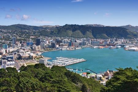 웰링턴, 뉴질랜드 - 도시 마리나 및 시내 고층 빌딩의 공중보기. 스톡 콘텐츠