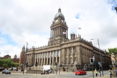 LEEDS, UK - JULY 12, 2016: People visit City Hall in Leeds, UK. Leeds urban area has 1.78 million population. 에디토리얼