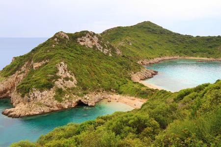 Corfu Island hidden beach - Porto Timoni double beach cove. Stok Fotoğraf - 100733273