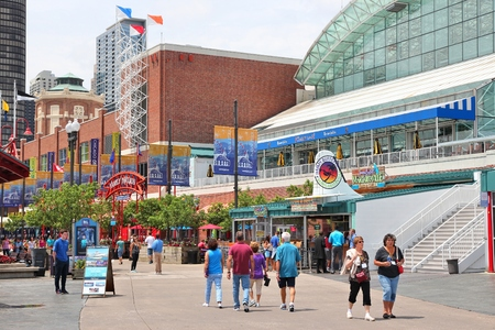CHICAGO, USA - JUNE 26, 2013: People visit famous Navy Pier in Chicago. The 3,300-foot pier built in 1916 is one of most recognized Chicago landmarks. Éditoriale