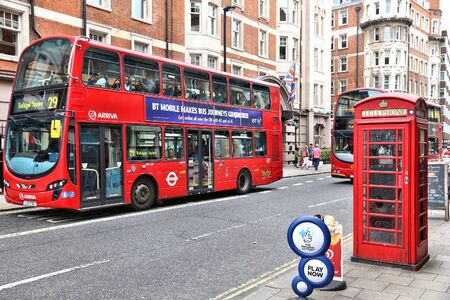 LONDON, UK - JULY 9, 2016: People ride a double decker bus at Bloomsbury, London, UK. Transport for London (TFL) operates 8,000 buses on 673 routes. Redactioneel