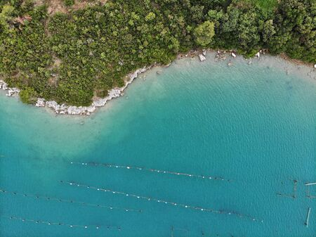 Croatia oyster farms - aerial view of shellfish farming near Mali Ston bay (Peljesac Peninsula). 版權商用圖片