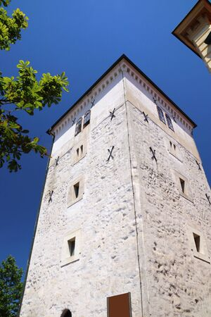 Zagreb, Croatia. Lotrscak tower - Old Town fortification famous for its daily noon cannon blasts. 写真素材 - 129683349