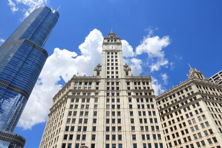 CHICAGO, USA - JUNE 28, 2013: Wrigley Building in Chicago. The building was completed in 1924 and is 130m tall. It is clad in glazed terra-cotta. Редакционное
