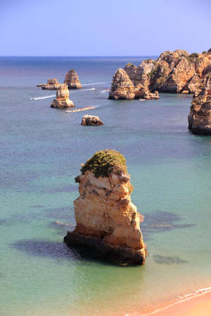 Portugal landscape in Algarve region. Atlantic coast of Portugal. Praia Dona Ana sandy beach. 版權商用圖片