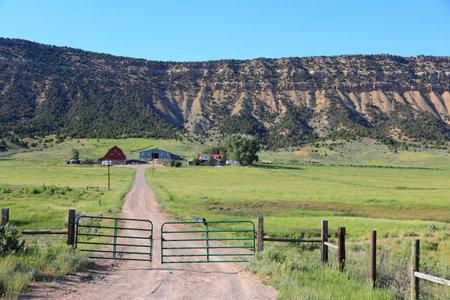 Colorado, USA. Rio Blanco County countryside ranch pastures view. Imagens