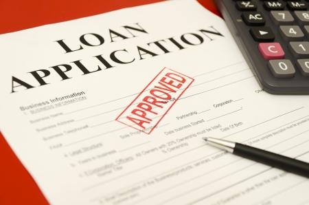 Sello impreso en la solicitud de préstamo aprobado aprobada