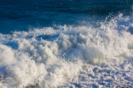 breaking wave: Breaking wave