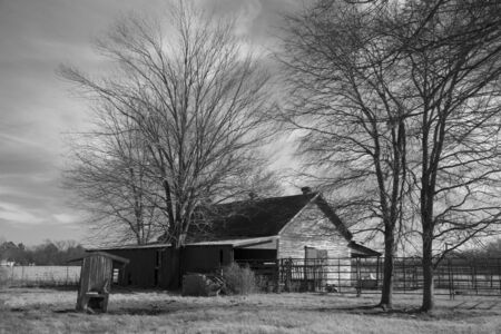 school house: Pa�s de vieja escuela casa gir� granero