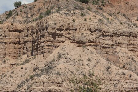 weathering: Dry desert mountainside