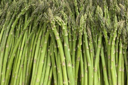 Bunches of fresh harvested asparagus 版權商用圖片 - 29264846