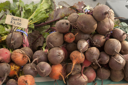 Golden and burgundy beets