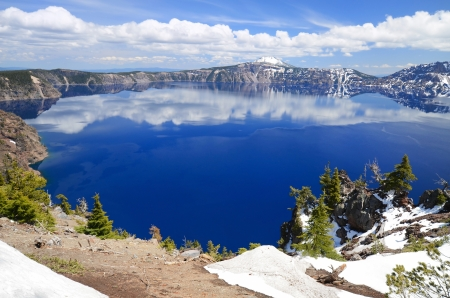 Crater Lake National Park is a United States National Park  Stock Photo - 20300511