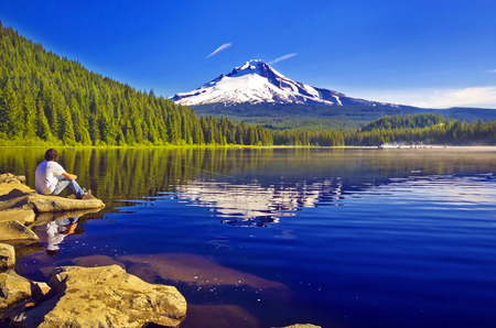 mt  hood national forest: Beautiful trillium lake Stock Photo