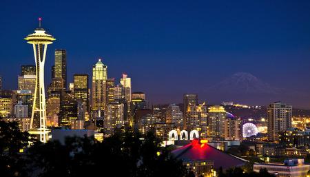 Mooie nightview van Seattle