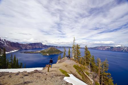 crater lake: Beautiful crater lake, Oregon