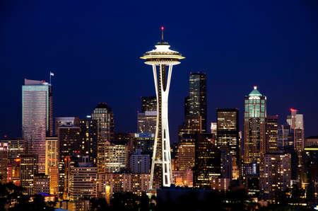 Hermosa vista nocturna de seattle Foto de archivo - 37031426